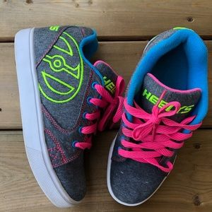 Heely's Youth Neon Grey Roller Shoes Lace Up Wheel
